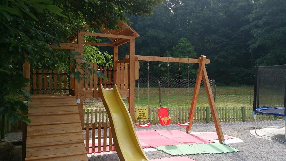 polivalentno igralište za djecu